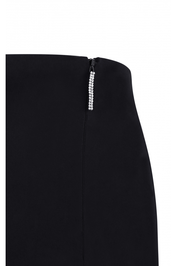 Low-waist classic mini skirt